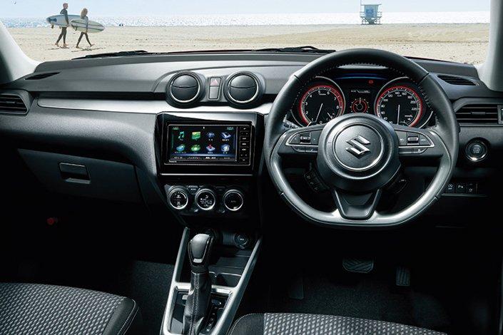 Đánh giá xe Suzuki Swift 2021 về khoang nội thất.
