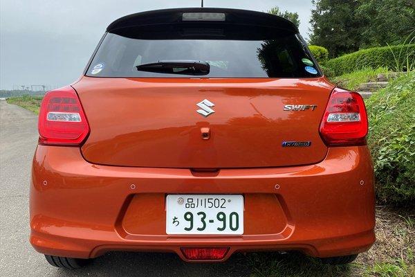 Đánh giá xe Suzuki Swift 2021 về thiết kế đuôi xe.